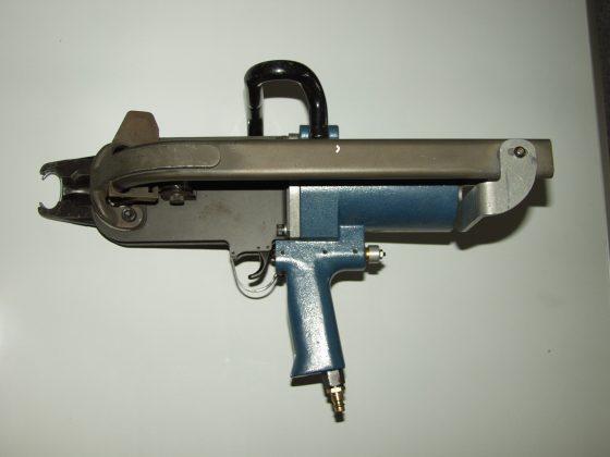 Pneumatické sponovacie kliešte (Stanley Spenax SC50)